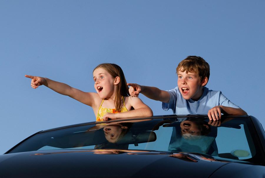 На дорожку: игры в машине, самолете и поезде